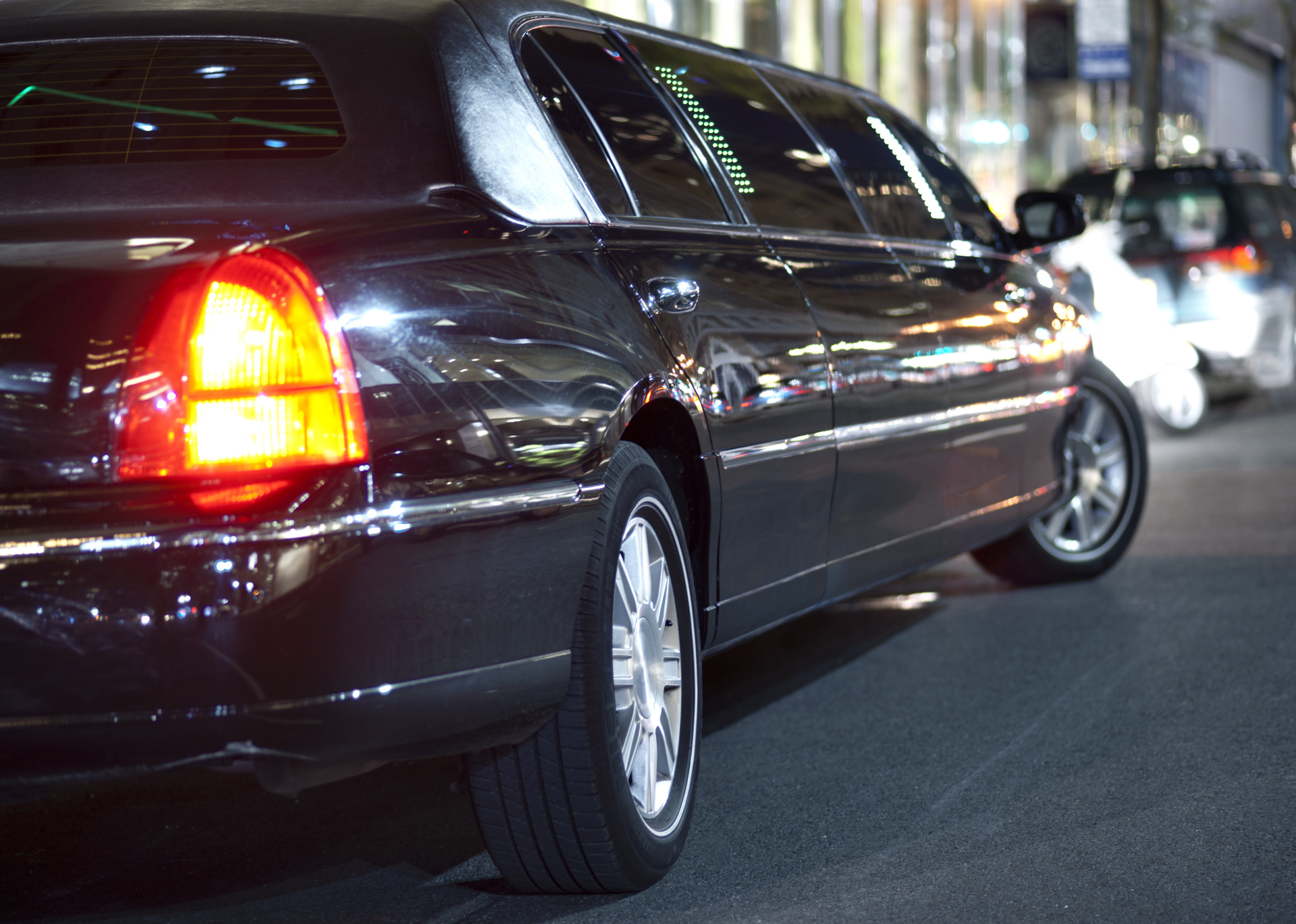 7 Reasons to choose Luxury limo Service